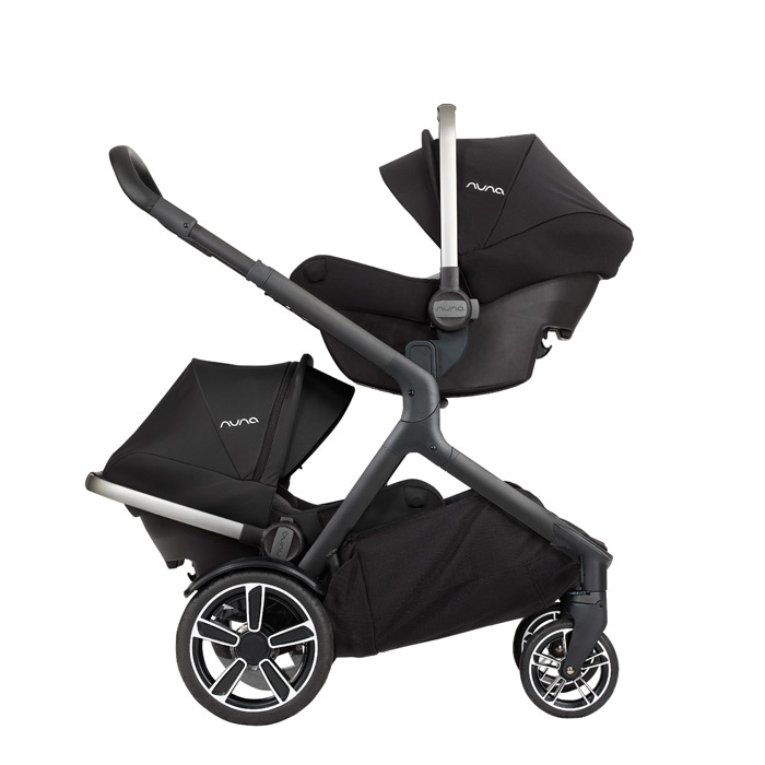 Zwillinge: Travelsystem mit Pipa Babyschale