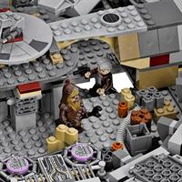 Lego Star Wars Millennium Falcon 75105 Detail 05