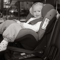 besafe kindersitz iZi CombiX4 ISOfix in car forward facing Detaillierte Ansicht 02