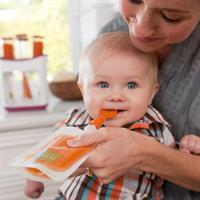 Infantino Quetschbeutel Löffel | Lifestyle Mama beim Baby füttern