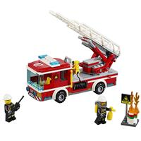 Lego City Feuerwehrfahrzeug mit fahrbarer Leiter 6 Detaillierte Ansicht 02