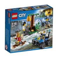 Lego city toy chase through the mountains 60171
