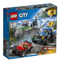 Lego City toy chase on gravel roads 60172