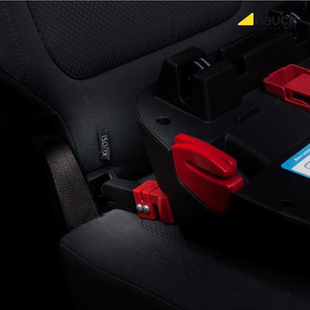 Hauck Connect Me IsoFix Einfuehrhilfe 340035 Anwendung im Fahrzeug mit IsoFix Sitz oder Basis
